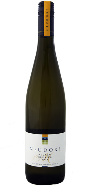 Neudorf bottle Moutere Riesling 2011